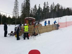Aktivitet både ved skiheisen og rundt kiosken